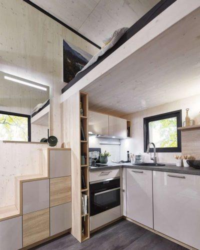 Mueble Cocina apartamento Sevilla pequeño acabado brillo los remedios