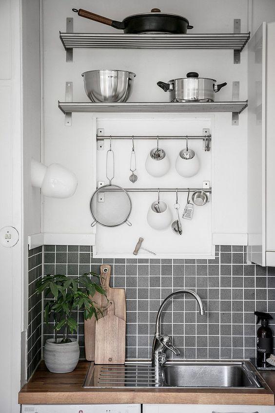 Trucos para mantener la encimera de tu cocina simpare limpia y ordenada